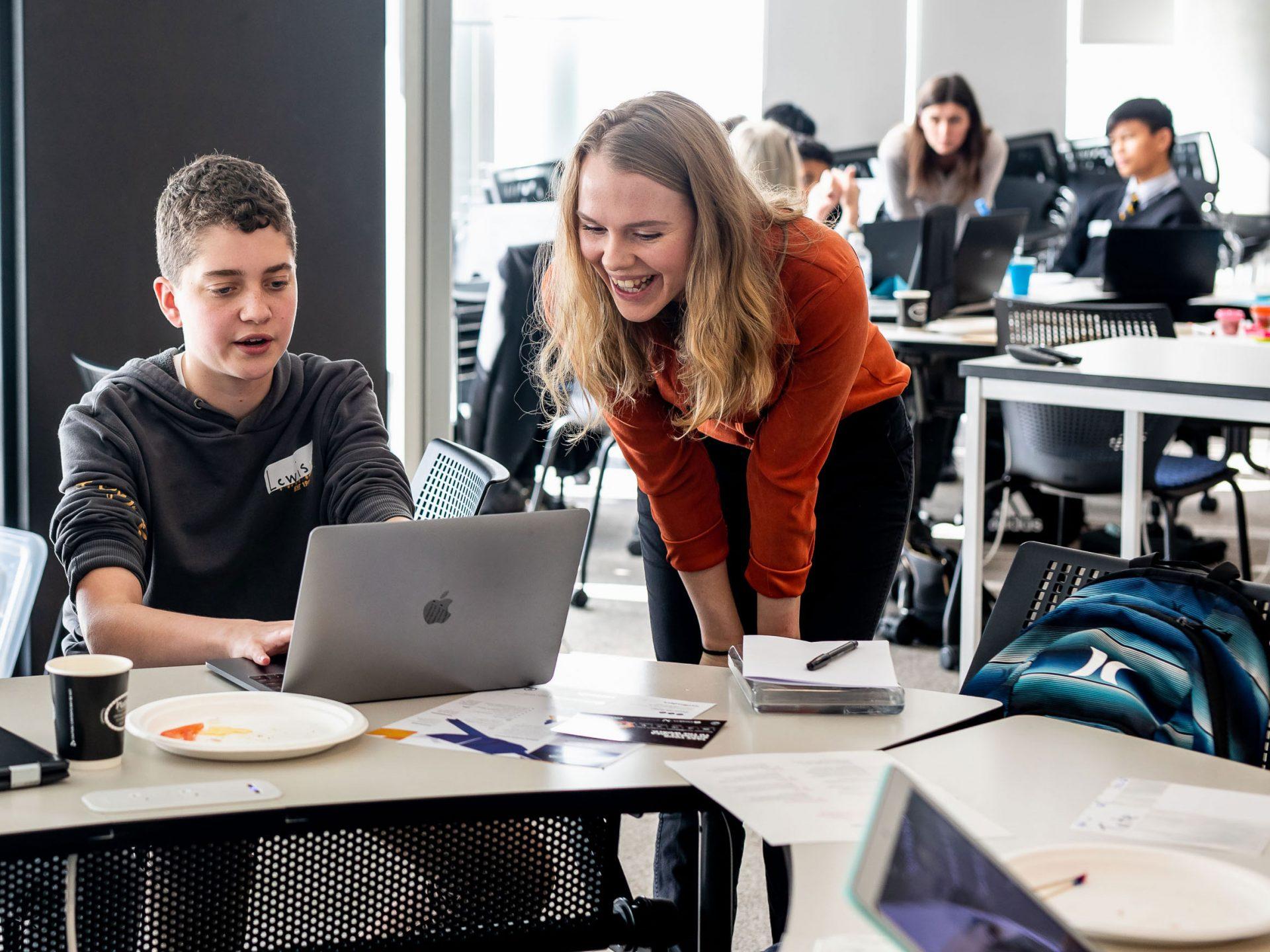 Geena mentoring students